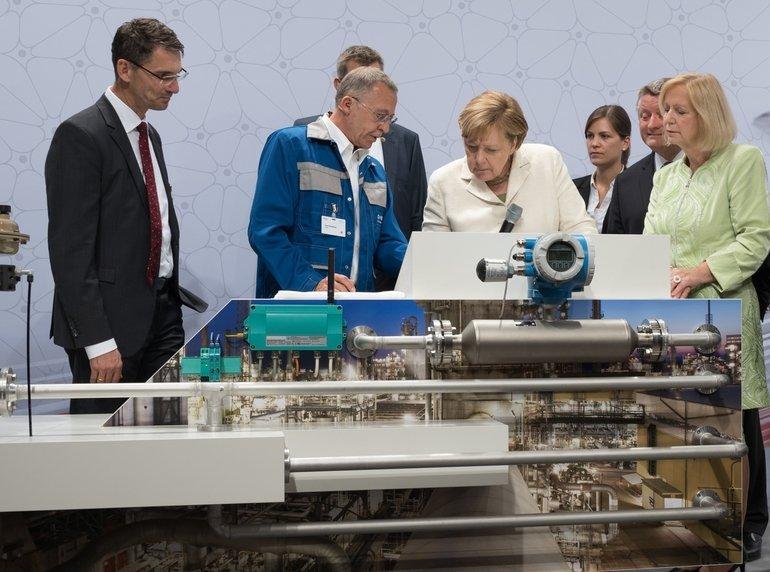 Digital_Gipfel_Merkel_BMWi.jpg