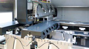 Das_Battery_Laser_System_BLS_500_von_Manz_nutzt_Bildverarbeitungssoftware_von_MVTec_mit_integrierter_Deep-Learning-Technologie