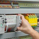 Nennstromeinstellung an personalisierbaren Geräteschutzschaltern