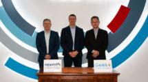 Robotics-Kooperation-Bosch-Rexroth-Geek+.jpg