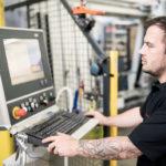 Schaltschrank_digitale_Durchgaengigkeit_CNC-Maschine.jpg