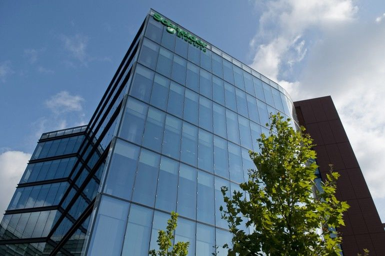 Schneider_Electric_The_Hive_2011_07_20