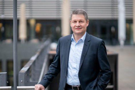 Jürgen_Siefert,_CEO_und_Leiter_des_Standorts_für_Antriebstechnik_und_Robotik_Schneider_Electric_Automation_GmbH_in_Lahr