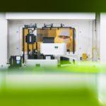 Chipfabrik-Bosch-Blick_in_Maschine