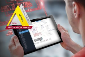 Man with tablet an Eplan eView