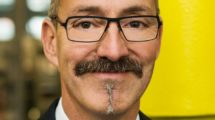 Rainer_Rössel,_Prokurist_und_Leiter_Geschäftsbereich_Chainflex-Leitungen,_Igus