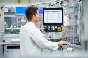 Vielfaeltige Moeglichkeiten bei der Maschinenbedienung
